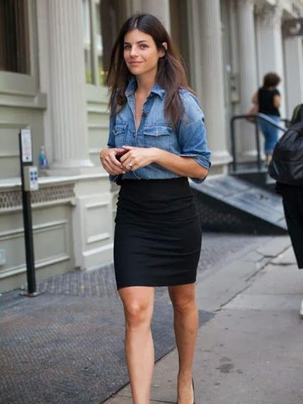 Looks com camisa jeans: modelo com uma saia lápis e camisa jeans.